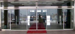 پروژه شرکت زیرساخت مخابرات درب شیشه ای برقی