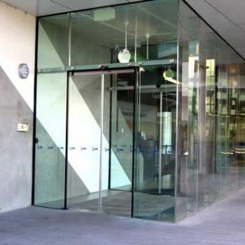 سیستم های درب اتوماتیک شیشه ای ADIS برای برنامه های تجاری